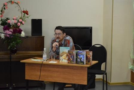 Наш гость — московский писатель Алексей Олейников